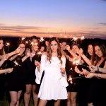 MMarinho |   Duda Guizelini – Ensaio 15 anos Friends Group Photo, Besties, Bff, Book 15 Anos, Flower Tiara, Foto Pose, Group Photos, Party Photos, Photoshoot
