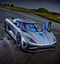 The New King Is Born! Koenigsegg Agera RS Is Officially the World's Fastest CarThe New King Is Born! Koenigsegg Agera RS Is Officially the World's Fastest Car Luxury Sports Cars, Top Luxury Cars, Exotic Sports Cars, Cool Sports Cars, Sport Cars, Exotic Cars, Koenigsegg, Pagani Zonda, Porsche