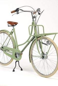 Currently longing for a front carrier bicycle - perfect for sibling commuting purposes