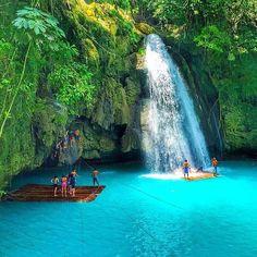 Kawasan Falls Badian Cebu -Philippines  Photo by @thomito12  #cebu #philippinesFun Travel in the Philippines (y)
