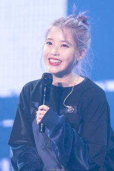 191102 IU at 'Love Poem' concert in Gwangju. Snsd, Fandom Kpop, Love Your Smile, Aesthetic People, Gwangju, Iu Fashion, Love Poems, Korean Singer, Kpop Girls