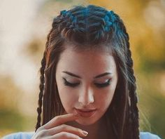 5 Super Hot Braided Hairstyles For Long Hair 2019 for you – Take a look! Do you have long hair and are you confused about having a braided hairdo? Take a look at the collection that we have for you in the 5 Super Hot Braided Hairstyles For Long Hair. Cute Braided Hairstyles, African Braids Hairstyles, Trendy Hairstyles, Girl Hairstyles, Wedding Hairstyles, Braided Updo, Asymmetrical Hairstyles, Shag Hairstyles, Brunette Hairstyles