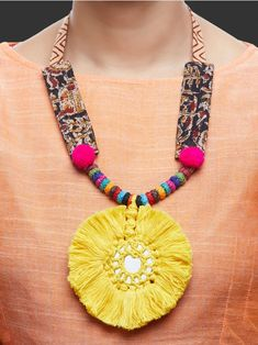 Intricately handcrafted Necklaces ensured to give a contemporary traditional look. Diy Fabric Jewellery, Thread Jewellery, Textile Jewelry, Jewelry Crafts, Jewelry Art, Handmade Jewelry, Jewelry Design, Handmade Necklaces, Art Necklaces