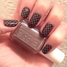 I love this intricate stamping image. This is one of my favorite manicures recently. Nail Polish: Essie - Marino Cool, Konad - Black, BM Plate - 020, Seche Vite - Dry Fast Top Coat