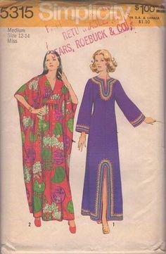 MOMSPatterns Vintage Sewing Patterns - Simplicity 5315 Vintage 70's Sewing Pattern GROOVY Bohemian Goddess Winged Kite Sleeve Muu Muu Maxi Gown, Dashiki Boho Slit Festival Caftan Dress Size M Simplicity Sewing Patterns, Vintage Sewing Patterns, Motif Kimono, Retro Fashion, Vintage Fashion, Patron Vintage, Modele Hijab, Hippy Chic, Moda Vintage