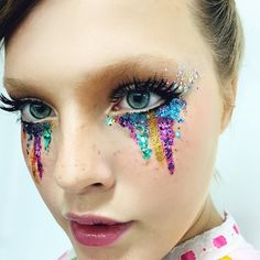 make maquiagem carnaval colorida glitter purpurina