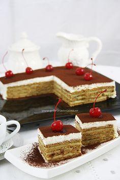 Tort de biscuiti/ Biscuits cake better known as Tirimisu Layered Desserts, Mini Desserts, Delicious Desserts, Icebox Desserts, Icebox Cake, Baking Recipes, Dessert Recipes, Easy Recipes, Tea Biscuits