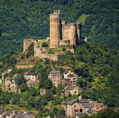 Château de Najac,  Najac, Aveyron, France...    www.castlesandmanorhouses.com   ...    The the royal fortress of Najac was built in 1253 on the orders of Alphonse de Poitiers, brother of Saint Louis, on the site of a square tower built in 1100 by Bertrand of St Gilles, son of Raymond IV, Count of Toulouse -before the area was annexed by France.