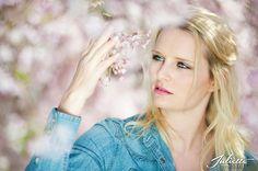 Bloesem! Terug denken aan de lente! fotografie, bloesem, portret www.juliettefotografie.nl Crown, Jewelry, Style, Fashion, Spring, Corona, Jewlery, Moda, Jewels