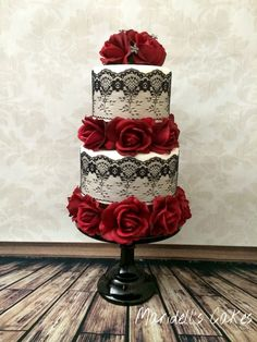 Red Roses Black Lace Wedding Cake