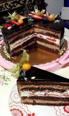 Kétféle krémmel töltött kakaós piskótatorta tükör glazúrral bevonva! Leírhatatlanul finom lett! - Egyszerű Gyors Receptek Polish Desserts, Cookie Desserts, Easy Desserts, Cookie Recipes, Sweets Recipes, Baking Recipes, Food Cakes, Cupcake Cakes, Torte Cake