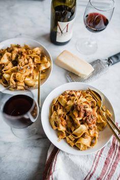 Meat Sauce Recipes, Pasta Recipes, Recipe Pasta, Cooking Recipes, Noodle Recipes, Meal Recipes, Parpadelle Pasta Recipe, Bolognese Recipe, Bolognese Sauce