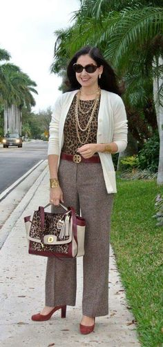 Best Outfit Ideas for Women Over 40 - Fashion Trends Over 60 Fashion, Over 50 Womens Fashion, 50 Fashion, Work Fashion, Fashion Looks, Fashion Fall, Fashion Dresses, Fashion Jewelry, Classy Outfits