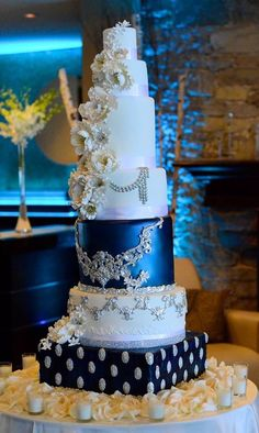 A beautiful wedding cake for Stacy & James! Fine cakes by Zehra