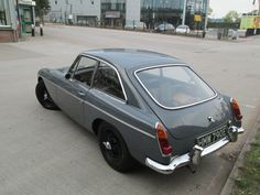 1967 Grey MGB at the David Manners Group buying a few service parts www.jagspares.co.uk/Abingdon/company.asp