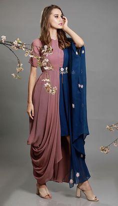Party Wear Indian Dresses, Designer Party Wear Dresses, Indian Gowns Dresses, Kurti Designs Party Wear, Dress Indian Style, Indian Fashion Dresses, Indian Designer Outfits, Fancy Dress Design, Fancy Blouse Designs