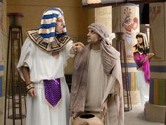 Free Bible pictures at Free Bible images of Joseph being falsely accused by Potiphar's wife. Free Bible Images, Bible Pictures, Bible Crafts, Bible Art, Joseph In Egypt, School Pictures, School Pics, Christian Pictures, Religious Images