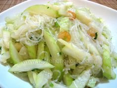 FUZZY MELON IN DRIED SHRIMP AND BEAN THREADS = 2 fresh fuzzy melon (~500g) 2 tbsp dried shrimp 1 pack bean threads (~50g) 1 tbsp each of finely shredded shallot and ginger 1 1/2 tsp salt ...