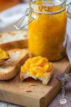 Marmellata di arance senza zucchero - Video ricetta - Vegolosi.it Butter Spread, Sweet Pastries, Nut Butter, Cream Pie, Cornbread, Dairy, Food And Drink, Vegetarian, Cheese
