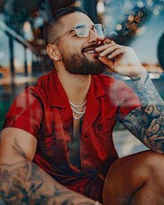 puro arte 🤩♥️ in 2020 Handsome Men Quotes, Handsome Arab Men, Beautiful Women Quotes, Beautiful Men, Selfie Sensual, Maluma Haircut, Maluma Style, Maluma Pretty Boy, Strong Woman Tattoos