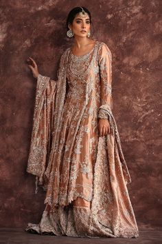 Make your big day celebration memorable and elegant with Nida Azwer Bridal collection. Get ready for wedding season with our Bridal Collection. Pakistani Couture, Pakistani Wedding Dresses, Pakistani Outfits, Indian Dresses, Indian Couture, Nikkah Dress, Mehndi Dress, Designer Bridal Lehenga, Bridal Lehenga Choli