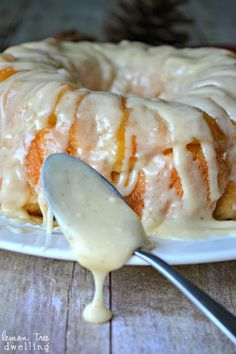 Eggnog Monkey Bread Recipe ~ Nutmeg-spiced monkey bread with a rich and creamy eggnog drizzle...  Christmas breakfast has never been more delicious!