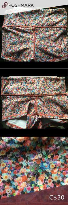 Lululemon Boogie Shorts in Prism Petal Multi Emily Giffin Books, Black Biker Shorts, Hello Kitty Dress, Short Weave, Blue C, Lululemon Speed Shorts, Makeup Box, Vintage Shorts