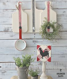 Thrifted Box Sign & Candleholder to Farmhouse Decor, Country Farmhouse Decor, Country Primitive, Rustic Decor, Primitive Decor, Farmhouse Style, Country Chic, Upcycled Crafts, Diy Crafts, Recycling Activities For Kids