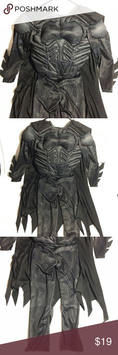 Boy's Batman superhero costume Only worn one time on a 3 year old boy (for your sizing reference). Bundle 3+ items from me and get 15% off, only pay shipping ONCE, and get a free gift!! Costumes Superhero