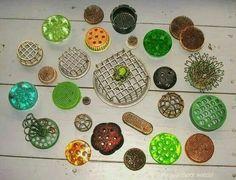 """Frogs"" for flower arranging"