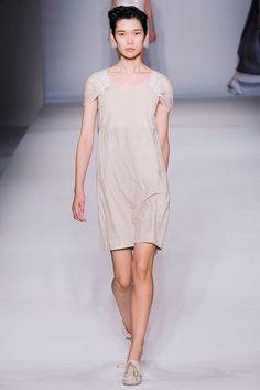 Alberta Ferretti Spring 2010 Ready-to-Wear Fashion Show - Tao Okamoto