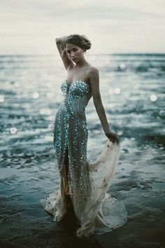 perfect dress for a date with the sea.