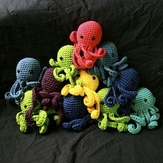 Adorable! I want a teal octo & an orange one! :) Lime green and purple too! And maybe even hot pink!