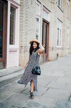 Summer midi dress outfit | Straw hat outfit summer | NYFW street style | Summer style | Summer city outfits NYC | Fashion week outfit ideas | NYC blogger photo shoot ideas  | NYC blogger | Fashion blogger | Fashion photography | Fashion Photographer | NYC photographer | Laurel Creative Summer City Outfits, Outfit Summer, Nyfw Street Style, Street Style Summer, Midi Dress Outfit, Outfits With Hats, Nyc Fashion, Photo Shoot, Fashion Photography