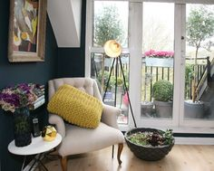 Amazing space mixing geometric lines, feminine curves and colors, ad my love of greenery.  Hello, I live here.