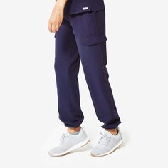 Scrub Pants - Women's colllection styles) - FIGS makes awesome medical apparel. Why wear scrubs when you can wear FIGS? Scrubs Uniform, Womens Scrubs, Medical Scrubs, Scrub Pants, Height And Weight, Scrub Tops, Navy Women, Going To The Gym, Anti Wrinkle