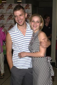 Pin for Later: Two of a Kind: Matchy-Matchy Celebrity Couples Ryan Phillippe and Reese Witherspoon At a Southampton, NY, Legally Blonde screening in 2001, Reese Witherspoon and Ryan Phillippe sported coordinating stripes.