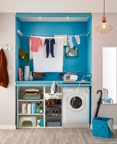 Finding space in a small home for a laundry nook or place to hang laundry on… Hidden Laundry, Laundry Nook, Small Laundry Rooms, Leroy Merlin, Organization Hacks, Home Renovation, Decoration, Washing Machine, Small Spaces