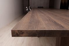 Nikpol Egger Feelwood Tobacco Gladstone Oak with Q-cut Edging Office Table Photography: Ria Ganis Photography Gladstone, Office Table, Butcher Block Cutting Board, Study, Design, Home, Photography, Interiors, Studio