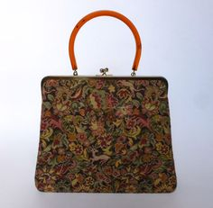 VINTAGE 1950'S FLORAL ANIMAL TAPESTRY PURSE LUCITE HANDLE    **CLOSING –SEE VINTAGE PURSE LOVE 2