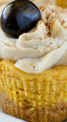 Pumpkin Spice Latte Cheesecake Bites ~ These mini pumpkin treats have a delicious coffee whip on top.