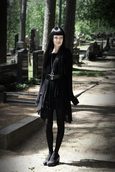 All black everything. Gothic layers. Love this. Also love the ankh.