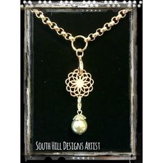 Creative ways to use jewelry from South Hill! Featuring the gold south hill flower screen and champagne pearl droplet on a gold rolo with ring station chain. So pretty! #southhilldesigns www.southhilldesigns.com/kristencopeland Independent Artist #325930