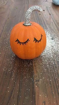 40 best diy front porch halloween decorating ideas with pumpkins easy 7 ~ Home Design Ideas Halloween Porch, Holidays Halloween, Halloween Pumpkins, Halloween Crafts, Snoopy Halloween, Halloween Labels, Halloween Costunes, Cute Halloween Decorations, Halloween Quotes