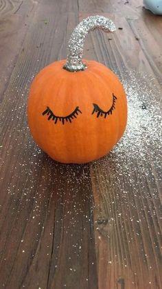 40 best diy front porch halloween decorating ideas with pumpkins easy 7 ~ Home Design Ideas Halloween Veranda, Halloween Porch, Halloween Pumpkins, Fall Halloween, Snoopy Halloween, Halloween Cosplay, Halloween Costunes, Halloween Quotes, Halloween Season