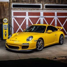 The Porsche 911 is a truly a race car you can drive on the street. It's distinctive Porsche styling is backed up by incredible race car performance. Porsche 911 Gt3, Porsche Cars, Water Cooling, Bucket Seats, Car Cleaning, Hot Cars, Carrera, Sport, Touring