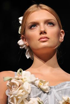 Dolce & Gabbana Spring 2009 Ready-to-Wear Collection Slideshow on Style.com