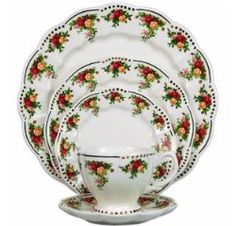 Royal Albert China - Old Country Roses Old Country Roses Golden Pearl
