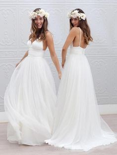 Stunning A-line Wedding Dresses,V-neck Bridal Gowns,Tulle Sweep Train Beach Wedding Dress,Pleats Backless Wedding Dresses