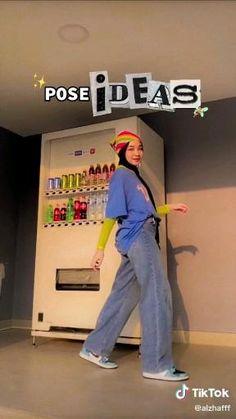 Ideas For Instagram Photos, Instagram Pose, Insta Photo Ideas, Cute Poses For Pictures, Poses For Photos, Portrait Photography Poses, Photography Poses Women, Ootd Poses, Mode Turban